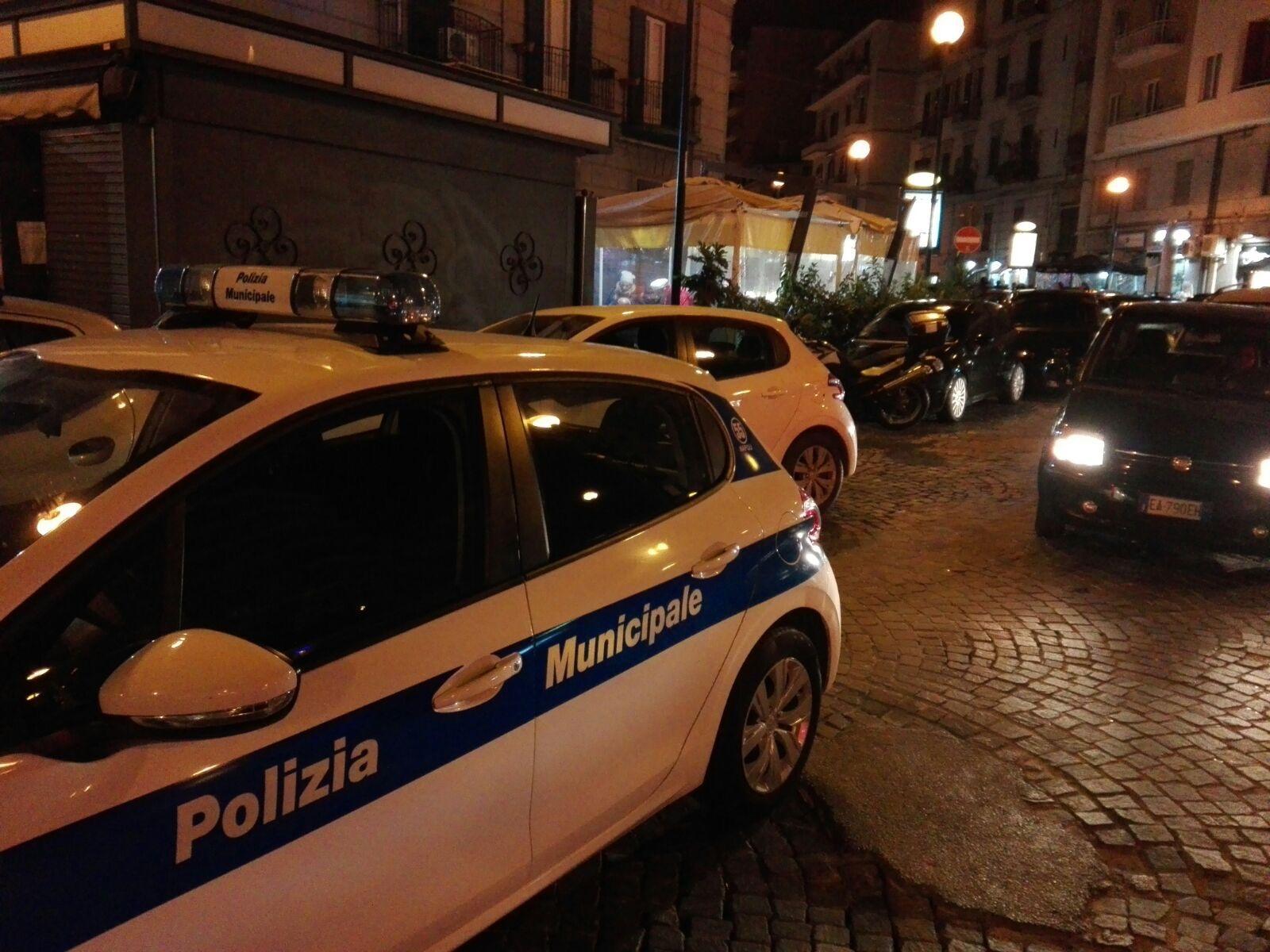 Controlli continui  e presidi in zone movida napoletana. da parte della Polizia Locale.