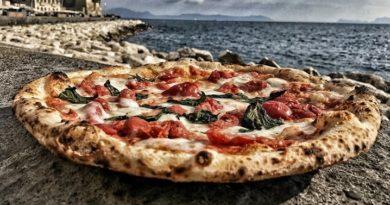 """Sul lungomare di Napoli arrivano le pizze """"limited edition"""" di Salvatore Di Matteo!"""