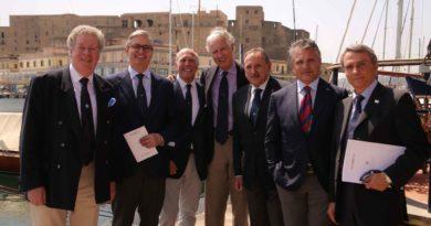 """Mille velisti nel Golfo di Napoli per la """" Rolex Capri Sailing """""""