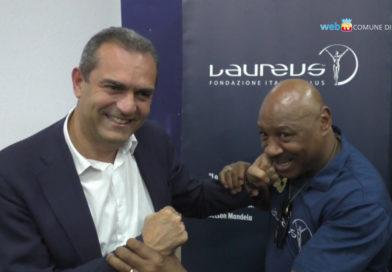 La visita dell'ex pugile Marvin Hagler a Secondigliano