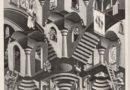Pubblico entusiata alla mostra di Maurits Cornelis Escher al Palazzo delle Arti di Napoli.